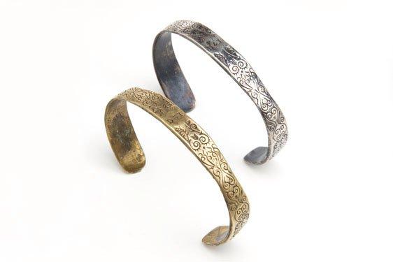 CUFF2 - Digby & Iona Black Spot Cuff in Sterling Silver